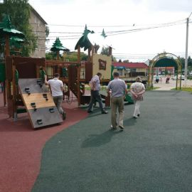 Детская площадка  у СОШ N 20 и МДОУ N 73 на территории пос. им. Тельмана_6